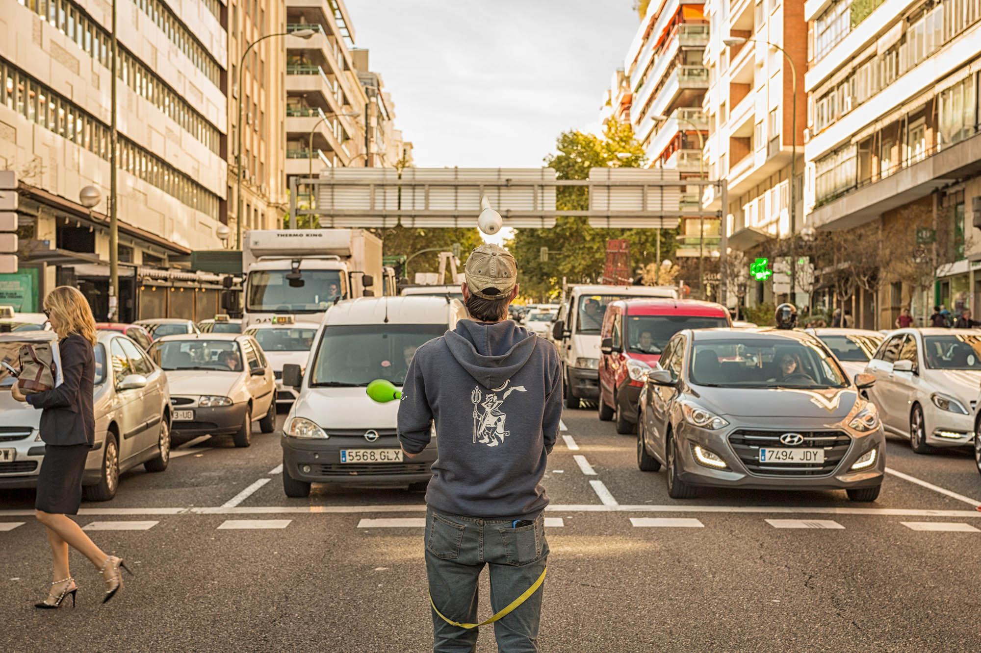 45 Madrid juggler